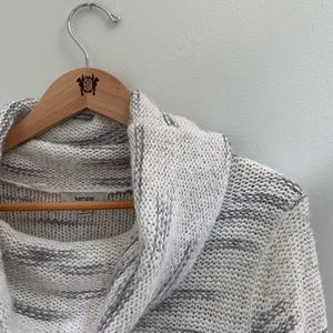 Kensie White and Gray Sweater with loose neck